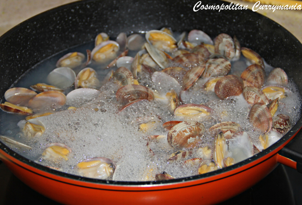 opened clams after boiling