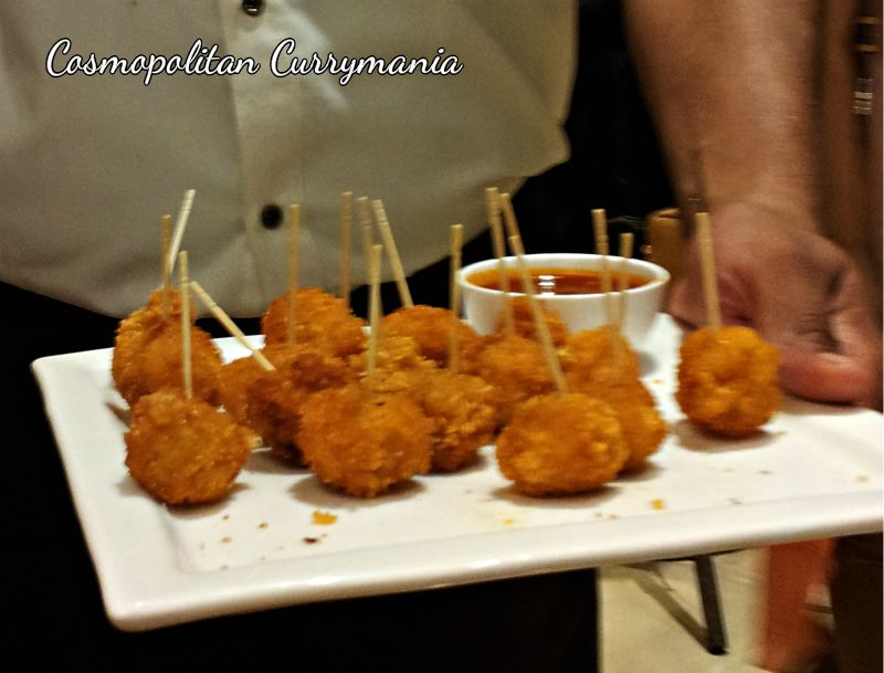 These chicken balls were crunchy from outside and succulent from inside. A variety of delicacies was served to us while we tasted different varieties of coffee around the world.