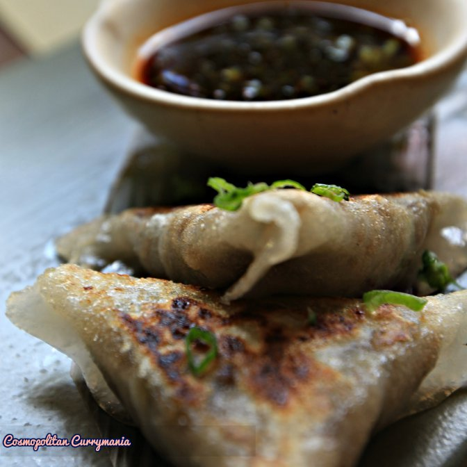 The Gyozas here have both vegetarian and non-vegetarian versions.